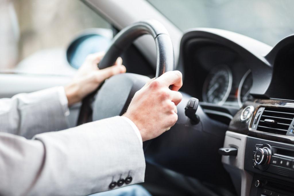Каким требованиям нужно соответствовать, чтобы работать в такси?