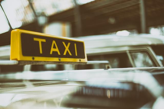 Мобильные приложения для вызова такси пользуются спросом!